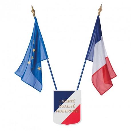 Kit Ecole 1 écusson + 1 drapeau France + 1 drapeau CEE
